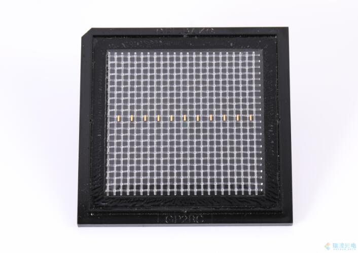 638nm 大功率半导体激光单管芯片.jpg
